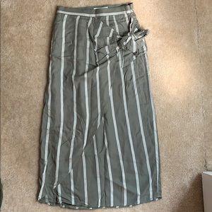 NWT H&M faux wrap skirt